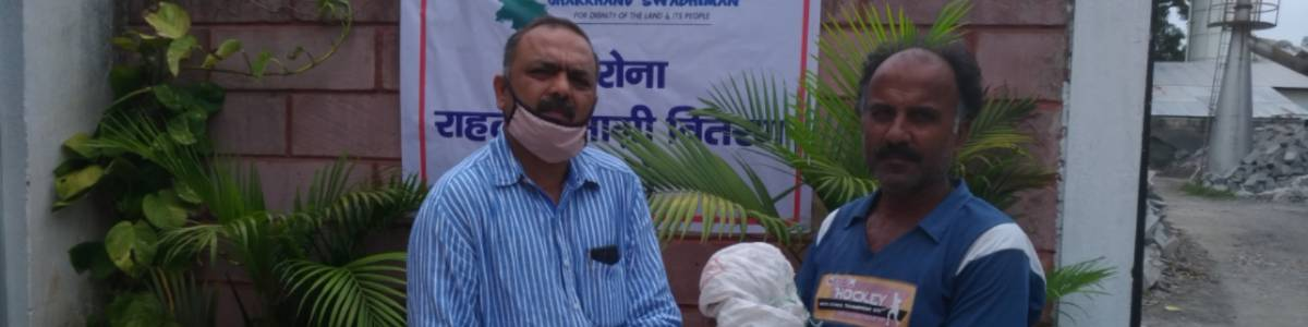 Providing Dry Ration kit to migrants workers