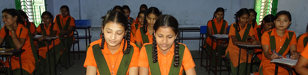 Help 550 students of Vimukti Girls School, Jaipur with books and stationery