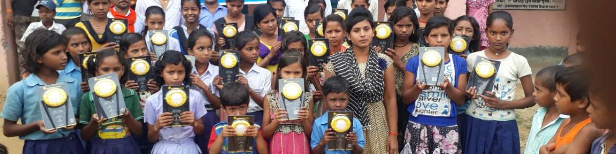 Donate five solar lamps and bring brightness into five poor families in a village in Bihar